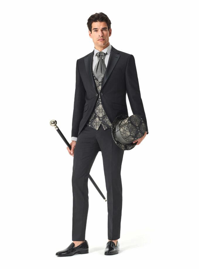 abito tight uomo cerimonia Andrea Versali con gilet damascato