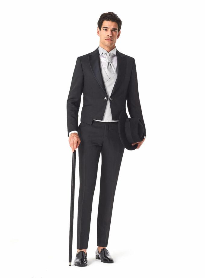 abito uomo nero con rever raso bottoni sul retro e bottone gemello 2022