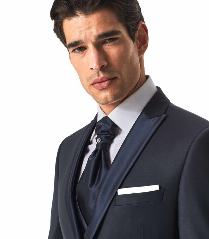 giacca uomo con rever a lancia blu in raso cerimonia